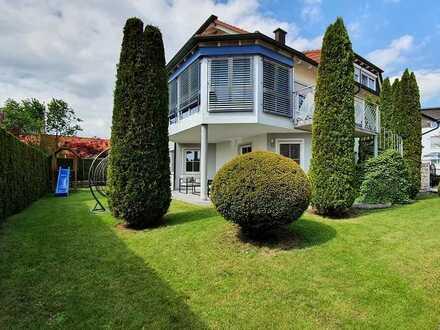 Traumhaft schöne EG-Wohnung mit eigenem Garten, Garage und Stellplatz, top Zustand