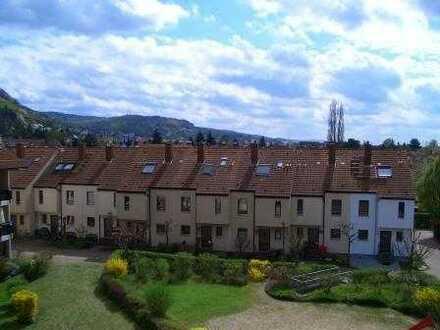 Gepflegte 1-Zimmer-Wohnung mit Balkon und Einbauküche in Heppenheim
