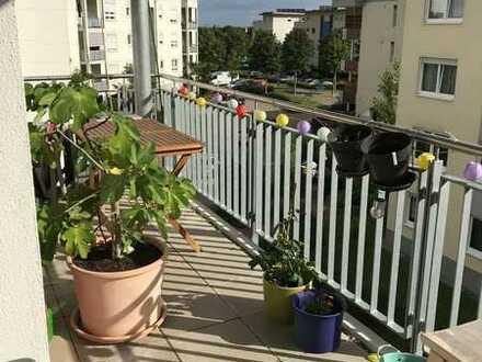 Wunderschöne, stilvolle, neuwertige 4-Zimmer-Wohnung mit Balkon und Einbauküche in Mannheim