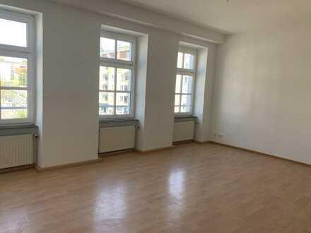 5 Zimmer -Wohnung am Pfalztheater / WG geeignet