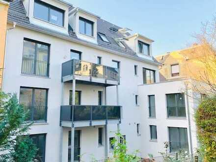 Erstbezug: lichtdurchfluteter Wohntraum in der Alexanderstr mit großer Terrasse und Ausblick