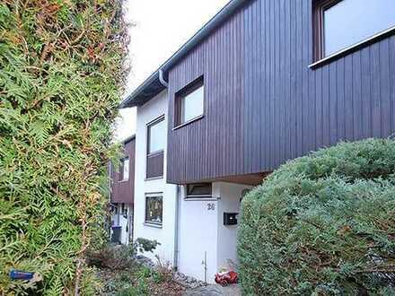 Modernes Reihenhaus mit viel Wohnfläche, Garten und Garage