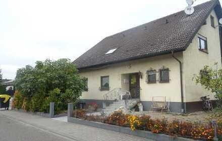 Großes Zweifamilienhaus mit Garten!