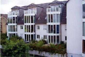 schöne 4 Zimmer Dachgeschosswohnung mit Fussbodenheizung und Balkon