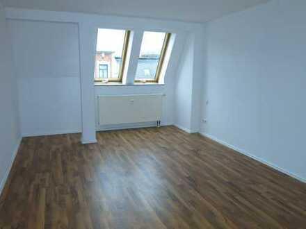 Ruhige Lage in Zentrumsnähe: 3-Zi-Wohnung im Dachgeschoss!