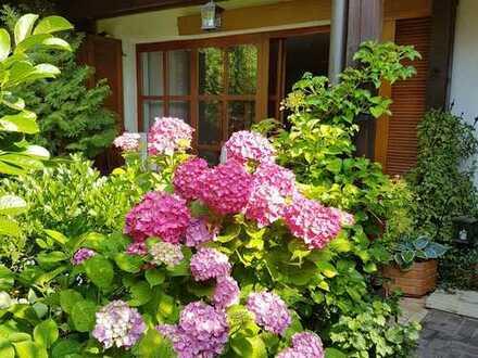 Traumhaftes Garten Paradies - Haus im Haus - Maisonette - im Herzen von Erlangen