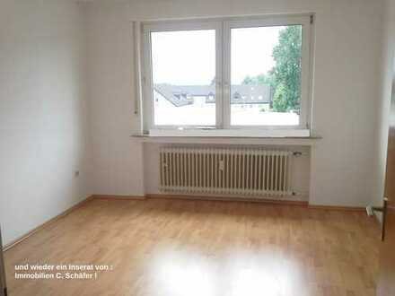 Nähe Fredenbaumpark ! Großzügige 5,5 Zimmer 160m² Wohnung mit Balkon ! ideal auch für WG !