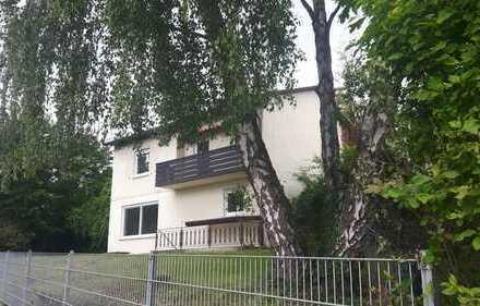Schönes, geräumiges Haus mit drei Zimmern in gehobener Umgebung