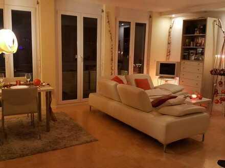 Helles Zimmer in schöner moderner 3 Zimmerwohnung mit toller Aussicht bevorzugt an Wochenendpendleri