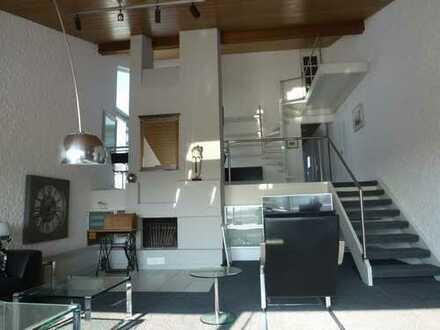 Es wird Frühling - tolle 4,5 Zimmer Dachgeschosswohnung mit vielen Extras in Ostfildern-Kemnat