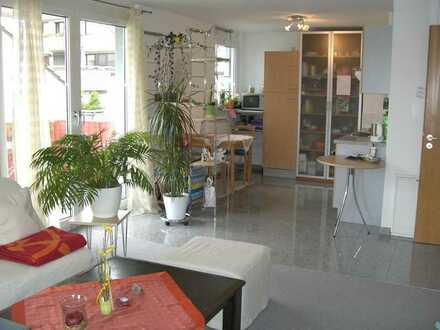Exklusive, modernisierte 2-Zimmer-Wohnung mit Balkon und Einbauküche in Leinfelden-Echterdingen