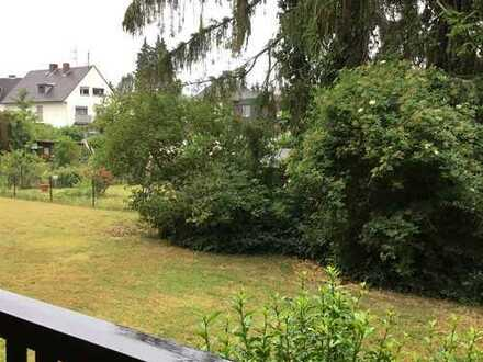Erstbezug nach Sanierung: schöne 2-Zimmer-Hochparterre-Wohnung mit Balkon in Sürth, Köln