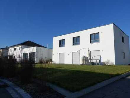 Neuwertige 4-Zimmer-Luxuswohnung mit Terrasse und Garten in Bibertal