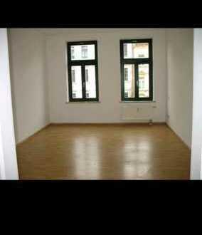 stilvoll möbliertes WG-Zimmer in 80qm sanierte Altbauwohnung in top Lage (Gohlis-Süd) mit Balkon