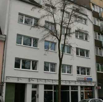 Vollständig renovierte 3-Zimmer-Wohnung mit Balkon in Höhenberg, Köln