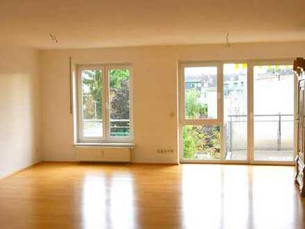 Senioren-Wohnung , altersgerecht , großzügig, hell, zentral, ausgezeichnete Lage und Infra-Struktur,