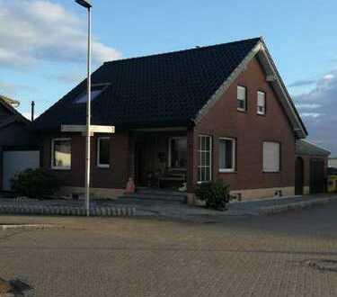 Hochwertiges Einfamilienhaus in ruhiger Lage direkt am Feld