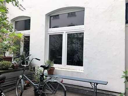** Charmantes Hinterhaus nahe des Rheins **