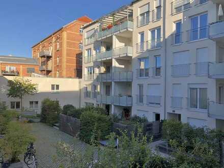Apartement m.West-Loggia, Altstadt, 1 Zimmer/40 m², TG, Lift, grüner Innenhof, EBK, Superausstattung