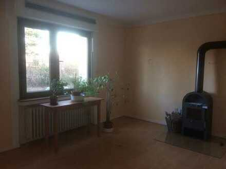 3 Zimmerwohnung mit Garten in Hürth-Efferen ab sofort zu vermieten