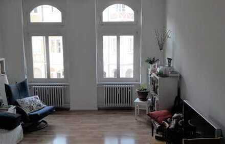 4-Zimmer-Altbauambiente mit 2 Balkonen in Bonner Südstadt
