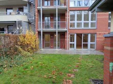 Großzügige, helle Maisonette-Wohnung mit Garten und Balkon (4-Zimmer im EG + 1.OG)