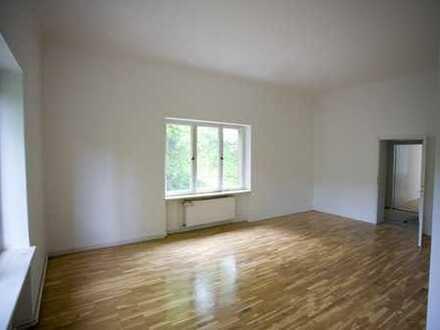Schöne, helle 4-Zimmer-Wohnung im Grünen