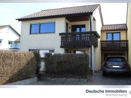 Großes Reiheneckhaus mit Garten und Garage in toller Wohnlage