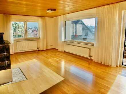 Lichtdurchflutetes Haus in begehrter Pfullinger Halbhöhenlage am Waldcafe