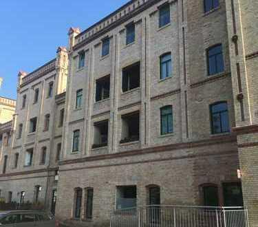 """4-Raum-Wohnung """"Alte Malzfabrik""""mit großem Wohnbereich im Industriecharakter"""