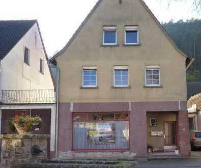Haus mit 10 - Zimmern im Zentrum von Vorderweidenthal