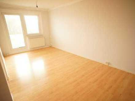 +++ neu sanierte 3-Raum-Wohnung mit Balkon am Wasserturm +++