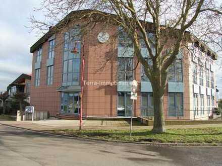 Sofort frei! Ein komplettes Bürogebäude in sehr guter Lage! Provisionsfrei!