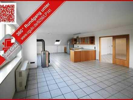 Großzügige 4 Zimmer Dachgeschoss-Wohnung, Balkon mit tollem Weitblick über Frechen-Habbelrath