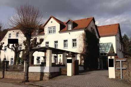 Traditionsreiches Hotel bei Dresden zu verkaufen!