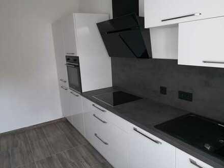 Top renovierte Dachgeschoss Wohnung mit Nagelneuer EBK in Hagen, ohne Maklerkosten !!! PREIS VB !!!!