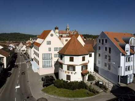 MITTEN DRIN STATT NUR DABEI! Moderne Maisonette-Whg. gepaart mit der Historie der Hohenzollern Stadt