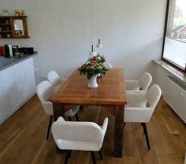Großzügige sonnendurchflutete Wohnung mit Südbalkon