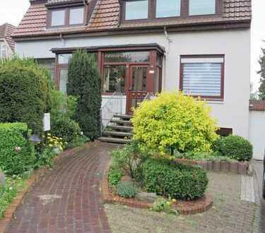 Modernisierte Doppelhaushälfte mit Großzügigem Garten in Bremen Kattenturm