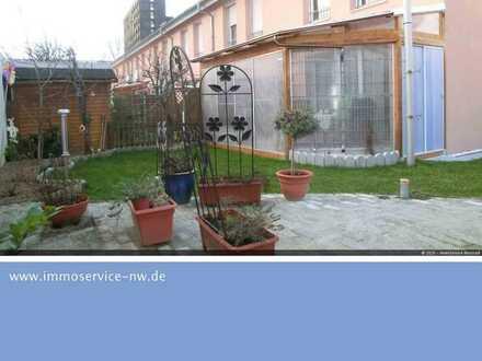 Modernes Reihenendhaus mit 140 m², 5 ZKB + Garten und Wintergarten in ruhiger Lage!!