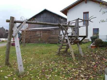 Neuwertige 4-Zimmer-Maisonette-Wohnung mit Einbauküche in Erlbach