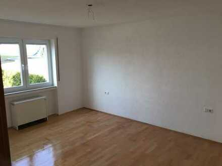 Großzügiges 17qm Zimmer in gehobener 4er-WG - Daimler, Continental, Uni -Nähe!