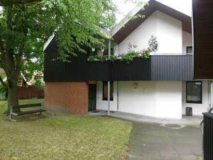 Erstbezug nach Sanierung mit Einbauküche und Terrasse: exklusive 1,5-Zimmer-EG-Wohnung in Hannover