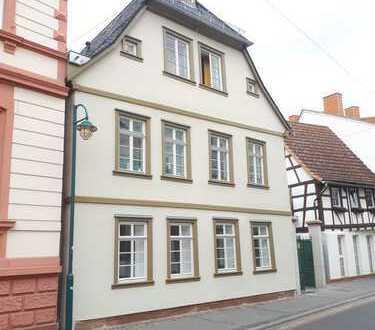 Erstbezug nach Sanierung: exklusive 3-Zimmer-EG-Wohnung mit Terasse in Hochheim am Main