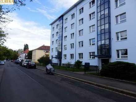 Gutes Investment! Renoviertes und gut vermietetes 2 Zi.-Apartment mit Balkon, Laminat...!