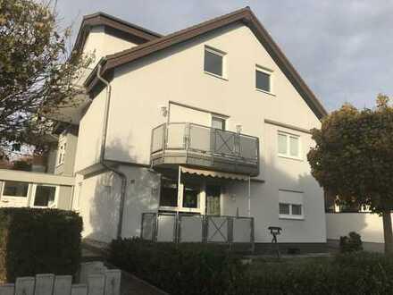 Gemütliche 2 Zi-Dachgeschoßwohnung in ruhiger Lage in kleiner Wohneinheit
