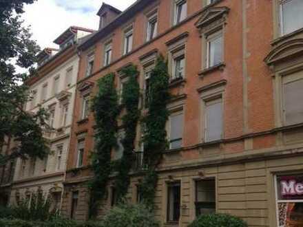 attraktive Altbau 5-Zimmer-Wohnung mit Balkon / Weststadt