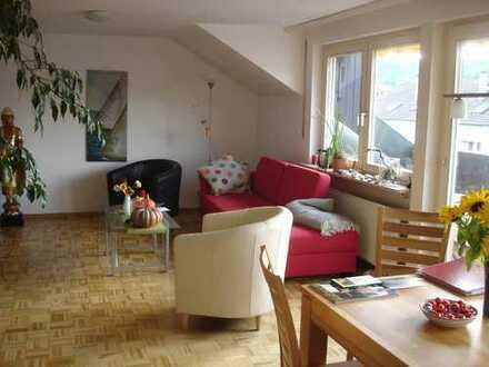 Attraktive helle Dachgeschoss 3-Zimmer-Wohnung in Lörrach