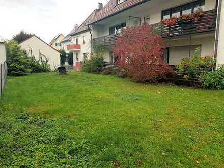 Zentrale, helle, sehr ruhig gelegene, 1-Zi-Hochparterre-Whg mit Balkon, EBK und eigenem Gartenzugang