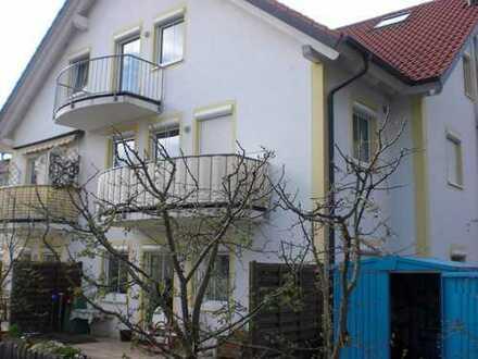 Sonnige 2 Zi-Wohnung mit Balkon und Tiefgaragenstellplatz